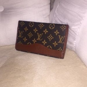 Louis Vuitton classic monogram wallet